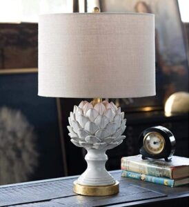 traditional table lamp for vintage living room