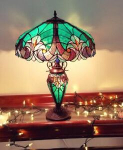 Tiffany desktop light for bedside tables